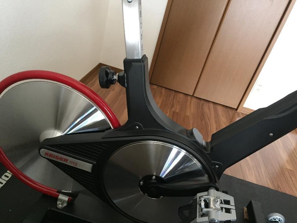 【家トレ】「カイザーm3」スピンバイクの負荷を1上げただけで、次の日に太ももが筋肉痛に  なった。